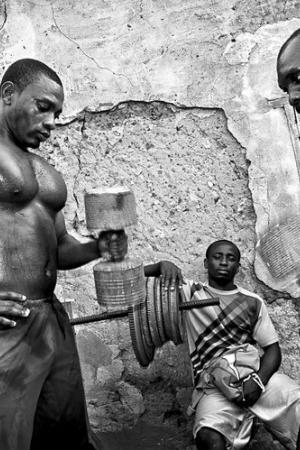 Rybacy z Elminy w Ghanie. Podróż Tomasza Tomaszewskiego w miejsce, gdzie czas ma zupełnie inny wymiar