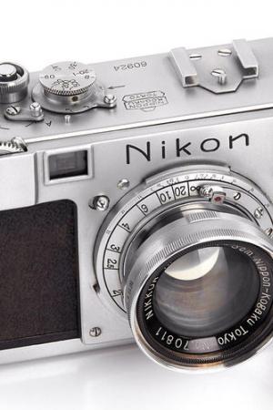 Najstarszy produkcyjny Nikon na aukcji